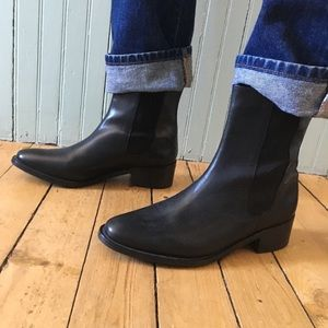 Cole Haan black leather Chelsea boots sz 10